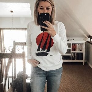 Sweaters - Sailboat graphic tee